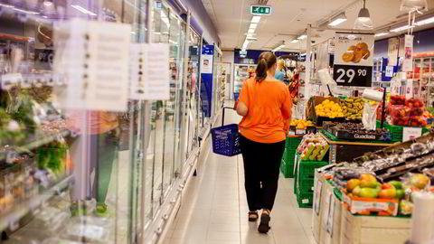 Dagligvarekjedenes prispåslag har utviklet seg gunstigere – for forbrukerne – i Norge enn i Danmark og Sverige, skriver artikkelforfatteren.