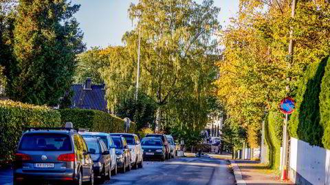 Selv om bilen er et gode for enkelte, blir det et problem om alle skal ha hver sin bil. Oslo har knapt med offentlige arealer, skriver Sirin Stav.