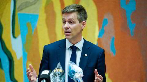 Samferdselsminister Knut Arild Hareide (KrF) er kritisk til Wizz Air.