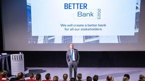 Danske Banks konsernsjef Chris Vogelzang har fått en positiv melding fra en myndighet i USA – men banken er fortsatt under etterforskning av to andre myndigheter i landet. Her er Vogelzang på norgesbesøk i januar i år.