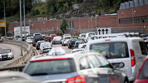 Veitrafikken i Oslo står for bare én prosent av Norges utslipp av klimagasser, skriver artikkelforfatterne.