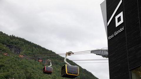 Loen Skylift åpnet sommeren 2017, Voss Gondol sommeren to år etterpå. Nå må Voss Gondol stoppe å bruke logoen sin, Bergen tingrett mener den er for lik logoen til konkurrenten.