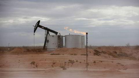 Oljefeltet Permian Basin i Loving County, Texas, USA.