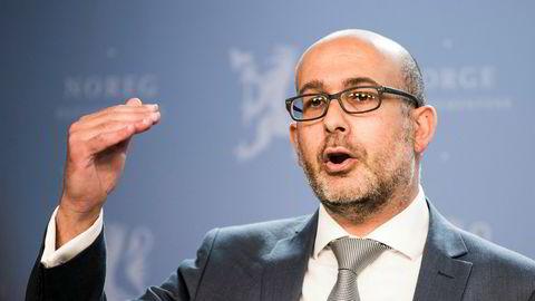 IMFs Norge-ansvarlige Jacques Miniane roser Norges håndtering av korona-krisen, men frykter gale tiltak i fase tre.