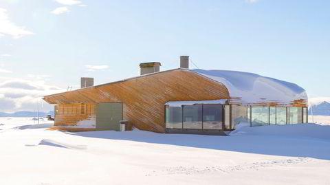 Værhardt. I dramatiske omgivelser på Valdresflya har Knut Hjeltnes vært på jakt etter en «innete» kvalitet til sin nye kafébygning for Nasjonale turistveger.