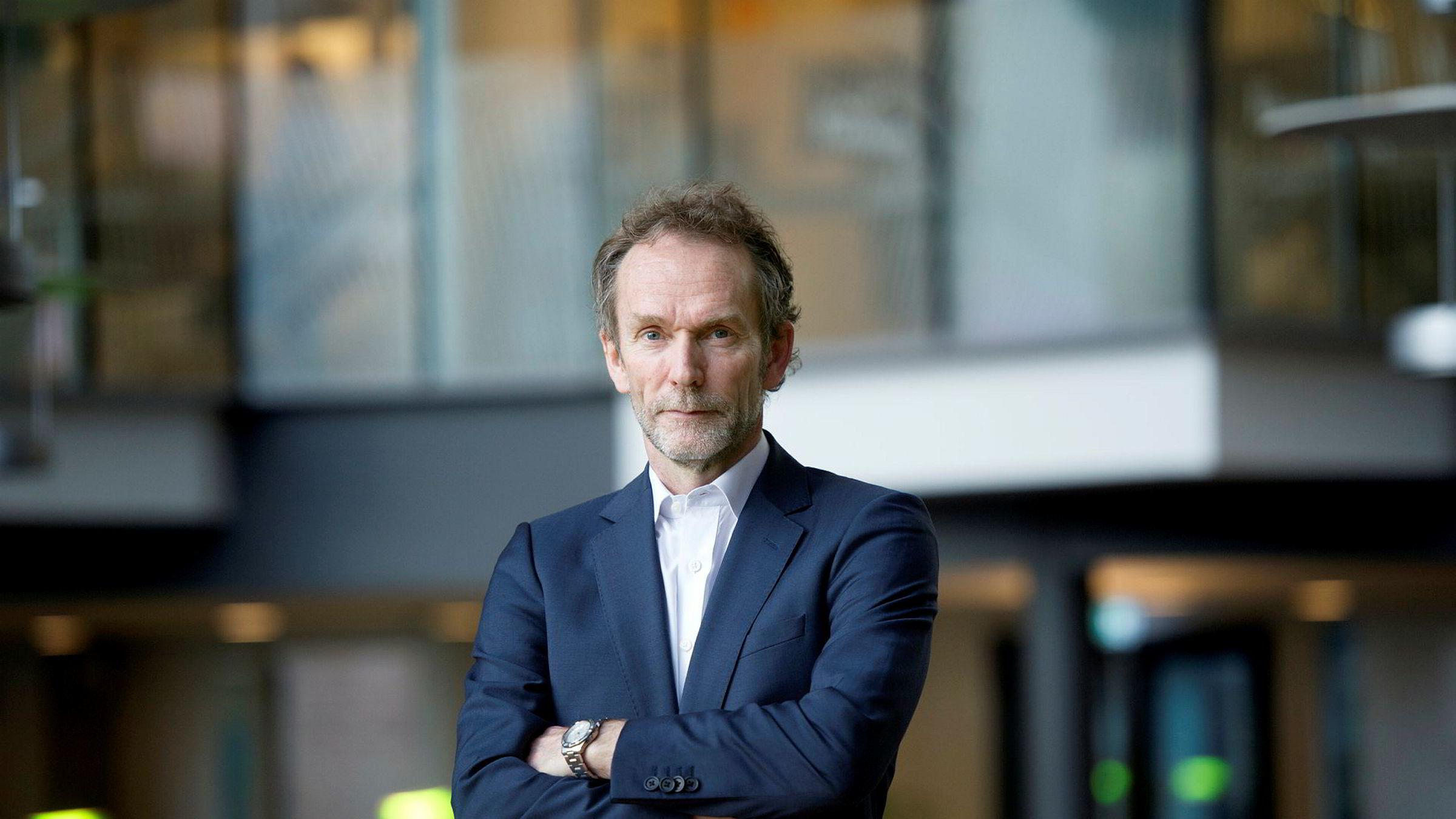 Sjeføkonom i Sparebank 1 Markets Harald Magnus Andreassen mener det kan være flere grunner til at kronen blir svakere.