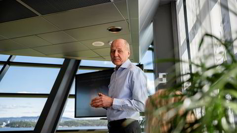Telenors konsernsjef Sigve Brekke utsetter den planlagte nedbemanningen i Telenor Norge til etter påske på grunn av koronakrisen.
