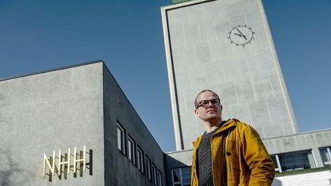 Erik Skutle har nok en gang gått ut mot sin medstudent Sander Eilertsen. DN møtte Skutle på NHH i Bergen mandag.