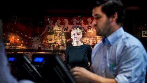 – Jeg har selv sett hvordan arbeidskonflikter preger et arbeidsmiljø, og opplevelsen av motløshet hos de ansatte når saken ikke blir tatt hånd om på skikkelig måte, sier hr-direktør Ragnhild Dahl i Umoe restaurants. Her med restaurantsjef i TGI Friday's Jessheim, Guy Bazin.