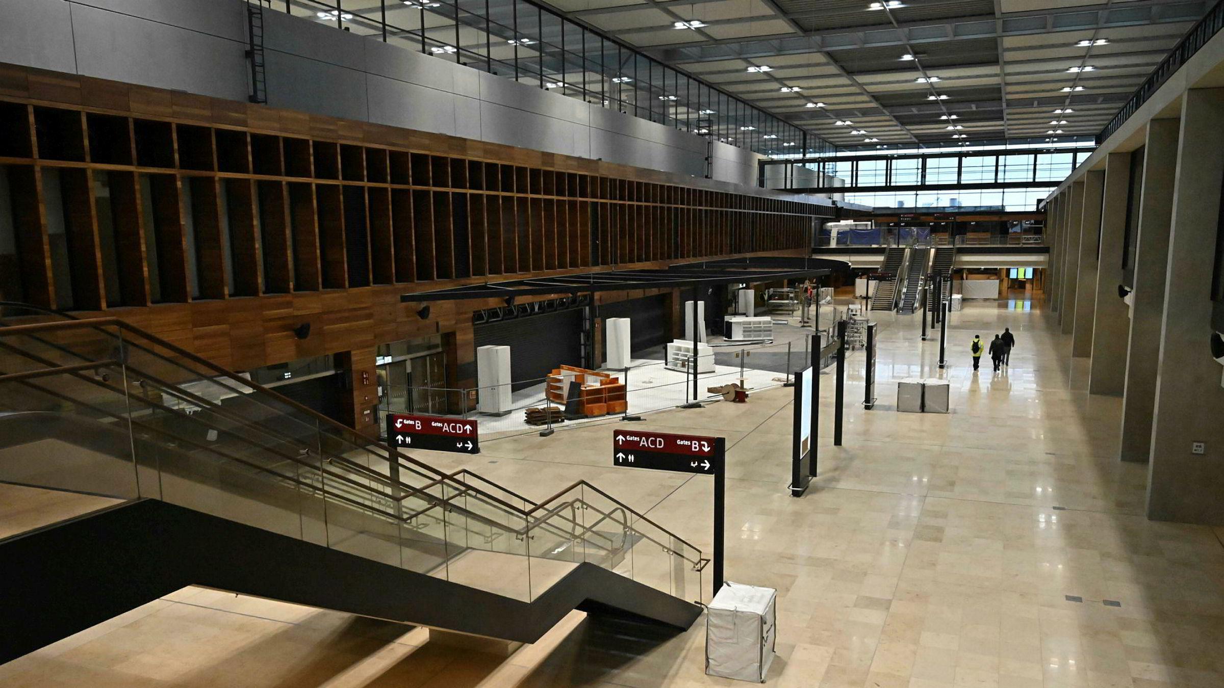 «Skandaleflyplassen» Berlin Brandenburg har stått tom i 2.500 døgn og kostet langt mer enn planlagt.