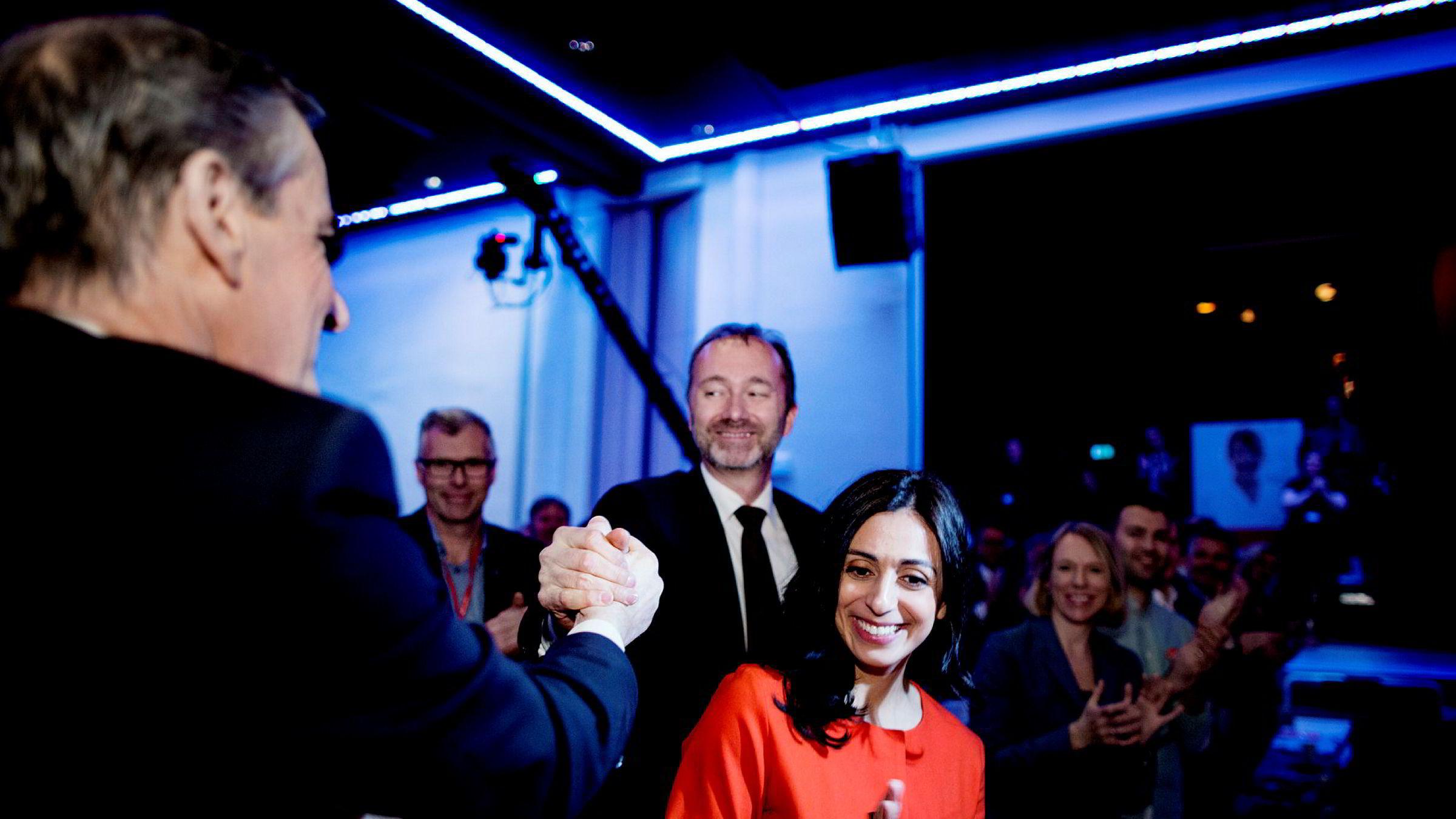 Nestlederne Hadia Tajik og Trond Giske under åpningen av landsmøtet til Arbeiderpartiet tidligere i år. Til venstre står partileder Jonas Gahr Støre.