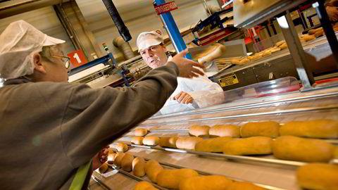 Frem til nå har Lantmännen Unibake Norway produsert blant annet pølsebrød i sin fabrikk på Langhus (bildet). Nå utvider selskapet med enda en fabrikk på Lierstranda der det skal lages bake off-produkter for storhusholdningsmarkedet.