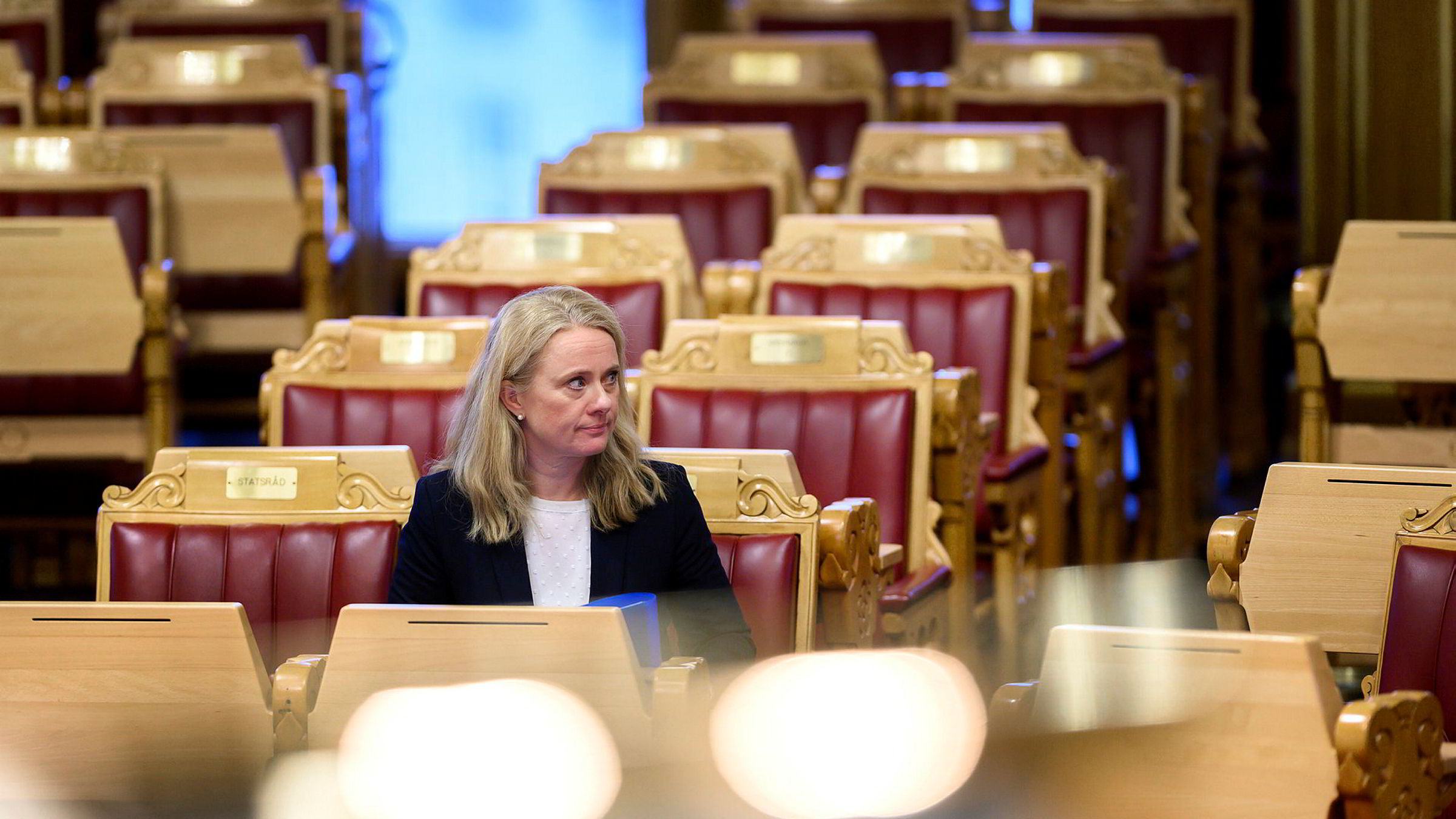Rødts Bjørnar Moxnes la frem sitt varslede mistillitsforslag mot Anniken Hauglie onsdag, samtidig som kontroll- og konstitusjonskomiteen holder på med en gransking av Nav-skandalen. Stortingsflertallet bestemte at saken skulle behandles samme dag, og dermed ble mistillitsforslaget skutt ned under et døgn etter at det ble fremmet.