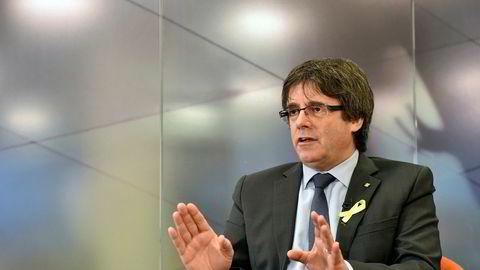 Tidligere president i Catalonia, Carles Puigdemont, her fotografert i et intervju med Reuters i Brussel lille julaften.