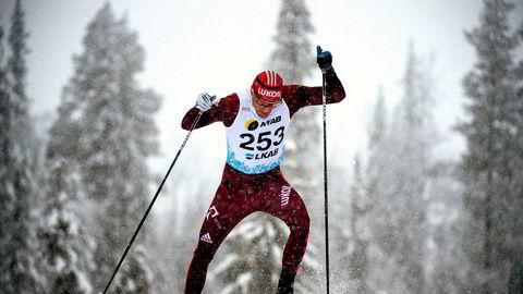 Alexander Legkov, som her går ti kilometer fristil under den svensk sesongpremiere på langrenn i Gällivare før jul, kan likevel få gå OL i Sør-Korea.