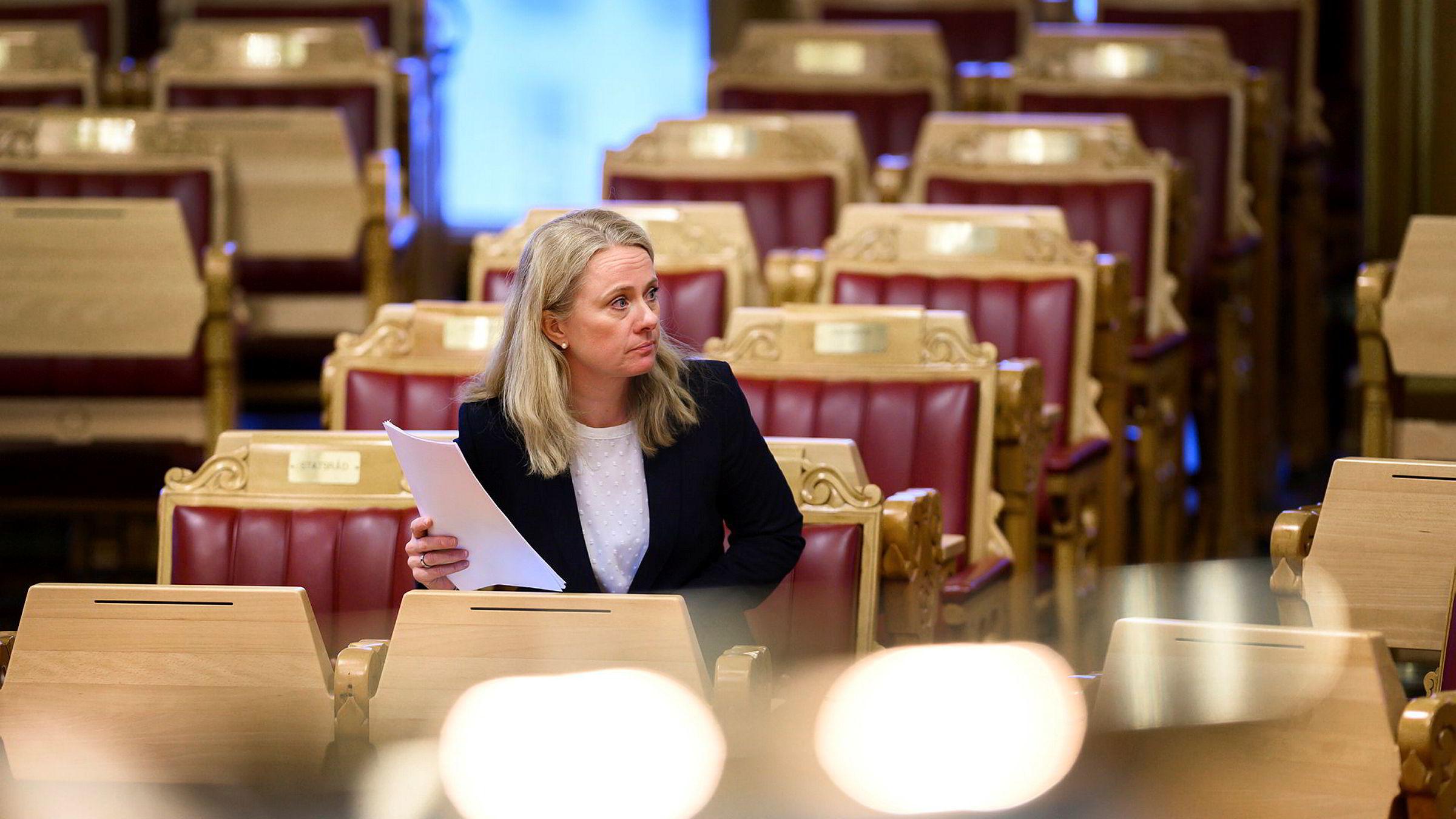Arbeids- og sosialminister Anniken Hauglie.
