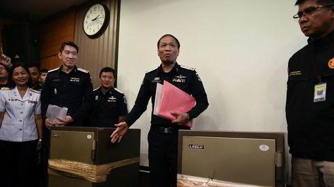 Etterforskere fant dokumentasjon som viser tette bånd mellom eierne av flere massasjeinstitutter i Bangkok og polititjenestemenn. En tidligere politisjef innrømmer å ha lånt 80 millioner kroner fra eierne.