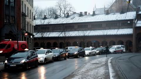 Oslo, Norge, 30-12-2014 Illustrasjonsbilde taxi: taxier utenfor arkaden. Foto Melisa Fajkovic