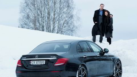 André Westbye (t.v) Leyla Westbye (t.h) Mercedes AMG63 - Foto: Sune Eriksen