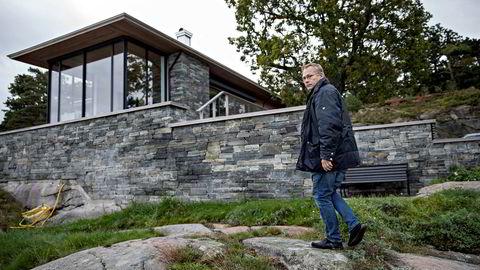 Suksess. Rune Breili, sivilarkitekt og faglig leder i Breili & Partnere MNAL, har i løpet av ti år blitt en av de mest brukte arkitektene for pengesterke hytteeiere på ferieøyene Tjøme og Hvasser i Vestfold. I sommer har det stormet rundt ham og firmaet