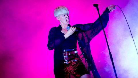 Samarbeid. Svenske Robyn synger ballade med Todd Rundgren på hans kommende album.