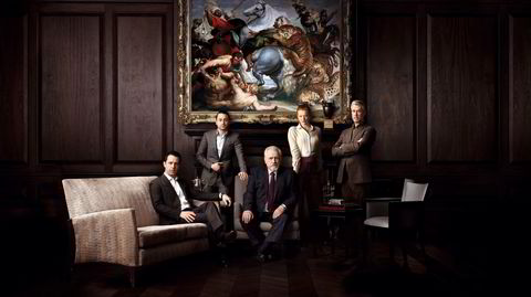 Dynastiet. Kendall (fra venstre), Roman, Siobhan og Connor er barna til patriarken og mediemogulen Logan Roy – solen alle karakteren i HBO-serien «Succession» kretser rundt.