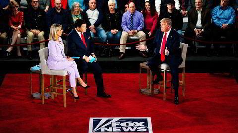 Daværende president Donald Trump intervjues av Fox News under et folkemøte i Scranton, Pennsylvania i fjor.
