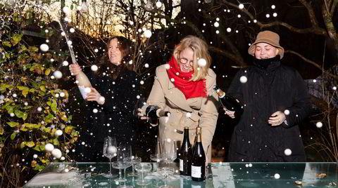 Påfyll. Pernille, Anne og Julie bak Instagram-kontoen Fyllechatten anbefaler viner til nyttårsaften.