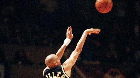 Varme hender. Indiana Pacers-spiller Reggie Miller senker et trepoengsskudd i sluttsekundene i Madison Square Garden i 1995, og myten om «the hot hand» lever videre i basketsporten.