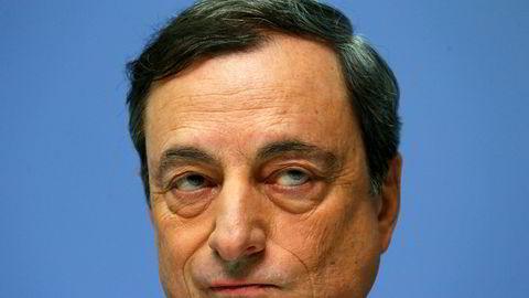 På det forrige rentemøtet kom sentralbanksjef Mario Draghi med beskjeden om at verdipapirkjøpene skal trappes ned i september og avsluttes ved nyttår.