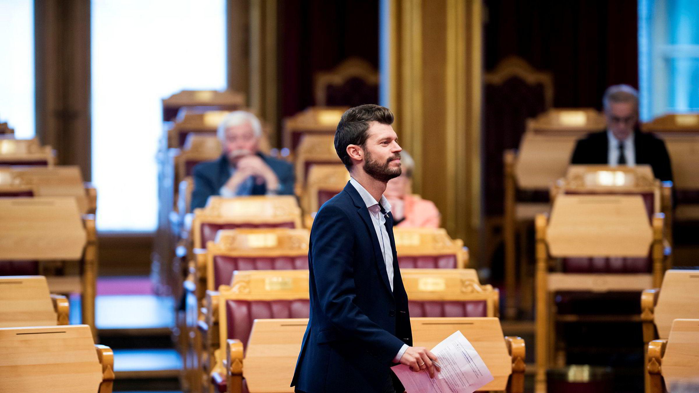 Spontanspørretime med statsminister Erna Solberg. Bjørnar Moxnes stiller spørsmål til statsministeren.