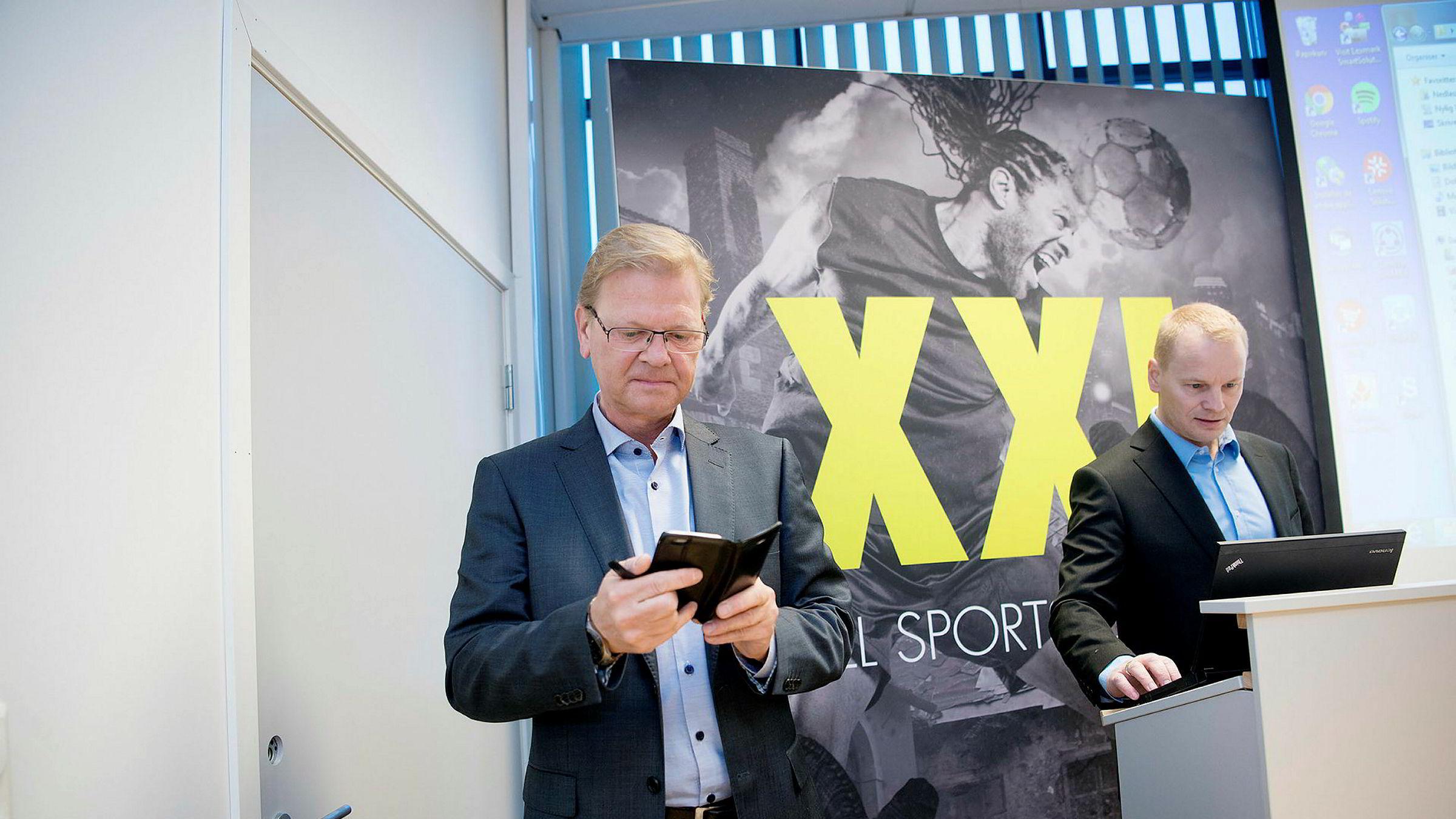 XXL-sjef Fredrik Steenbuch sier han har lite å tilby når misfornøyde shortspekulanter ringer. På to måneder har XXL-aksjen steget 25 prosent og gjort livet surt for investorer i shortposisjoner. Til høyre, finansdirektør Krister Pedersen.