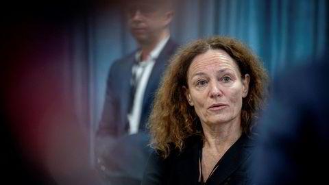 Direktør Camilla Stoltenberg i Folkehelseinstituttet vil at minst 60 prosent av nordmenn skal laste ned smittesporingsappen.