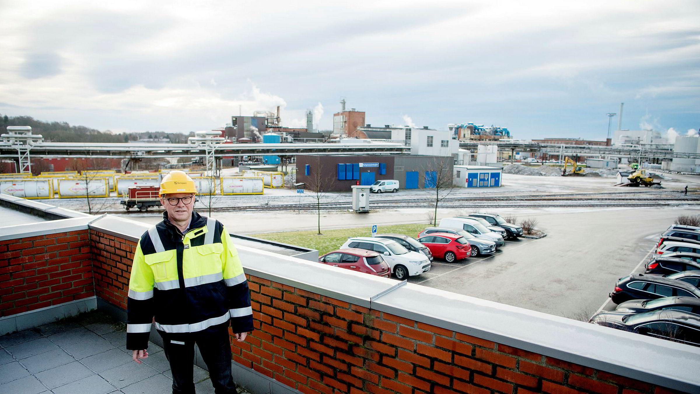 Administrerende direktør Per A. Sørlie i Borregaard er fornøyd med salgsvekst for visse produkter, selv om prisskvis driver resultatet ned.