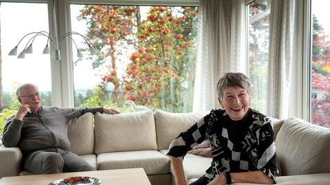 Pensjonert tingrettsdommer Ruth Anker Høyer tror enhver dommer kan ha godt av å få tilbakemelding på hvordan en fremstår i retten. Her sammen med ektemannen og pensjonert tingrettsdommer i Asker og Bærum, Jon Bonnevie Høyer.