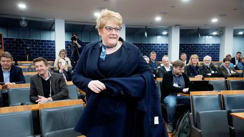 Medietilsynet legger frem NRK-rapport til Kulturminister Trine Skei Grande.