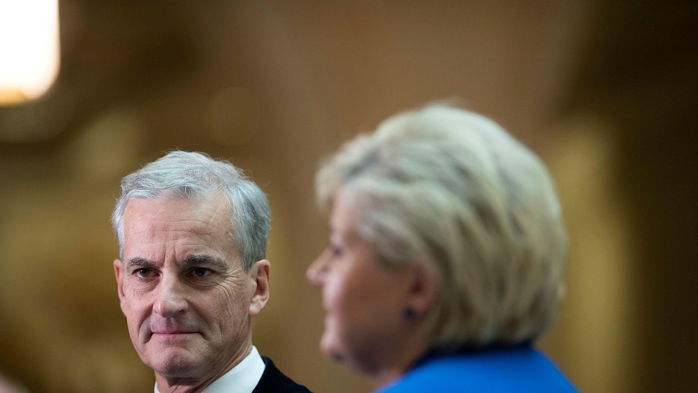 Arbeiderparti-leder Jonas Gahr Støre tenker høyt om Oljefondet. – Kjempefarlig, svarte statsminister Erna Solberg.