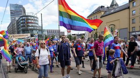 Oslo Pride Parade i tog i 2019, mens i år har det vært digitale Oslo Pride. Vi sees på Oslo Pride til neste år, skriver artikkelforfatteren.