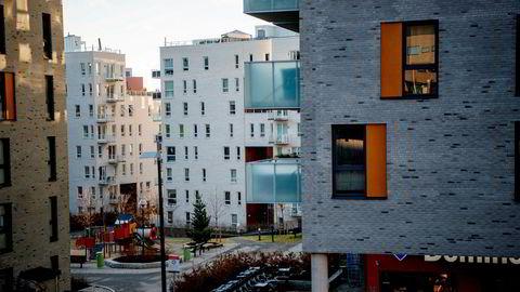 I Oslo og på venstresiden diskuterer de en tredje boligsektor ved siden av det private selveiermarkedet og utleiemarkedet. Et slik prosjekt har liten verdi uten tilstrekkelig regulering, skriver Henning Lauridsen i innlegget. Her boliger i Nydalen i Oslo.