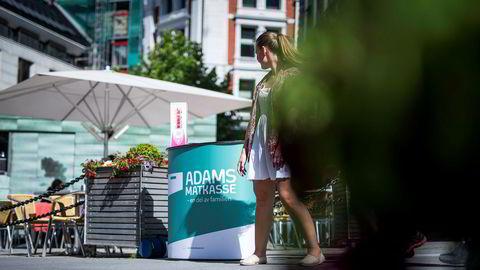 Adams Matkasses salgsstand på Karl Johan.