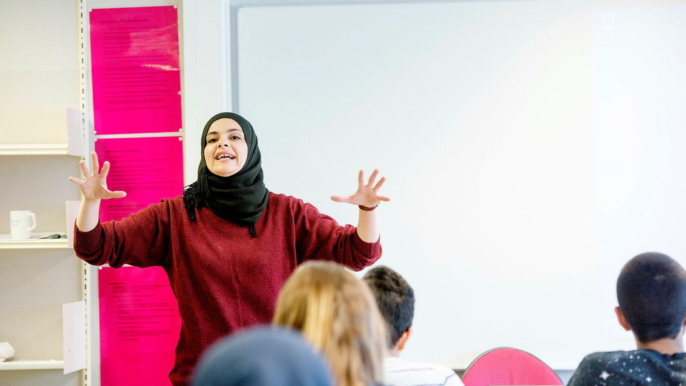 Hanan Abdelrahman vil ha mer vekt på forståelse og dybdekunnskap i mattefaget, ikke bare overfladisk pugging.