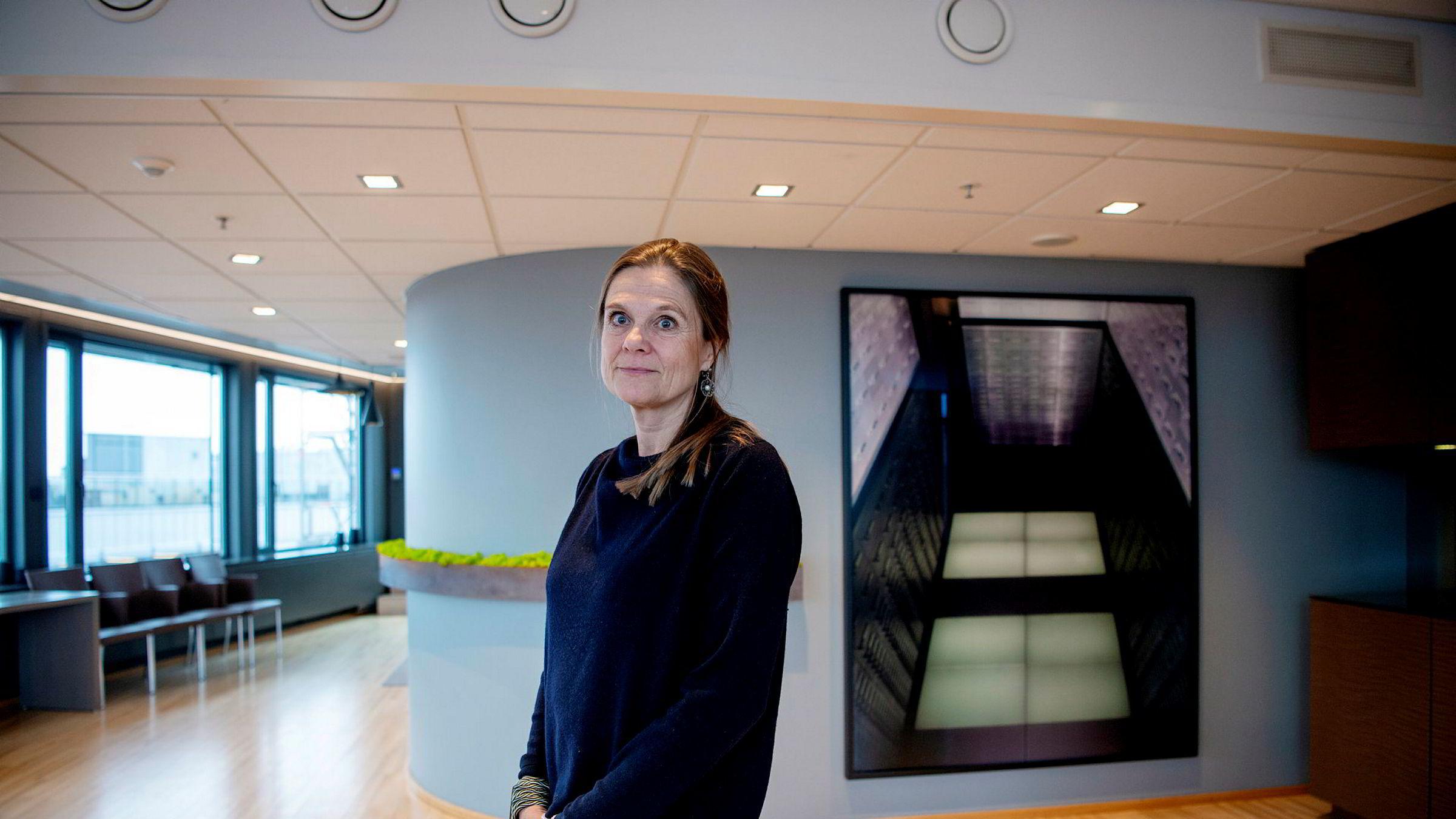 Kunstrådgiver Nina Sørlie i SEB forvaltet tidligere samlingen til Christen Sveaas. Nå gir hun råd til kunstinteresserte på vegne av SEB.