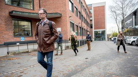 SSB-forsker Erling Holmøy fikk beskyttelse fra finansminister Siv Jensen i striden om hans stilling i byrået.