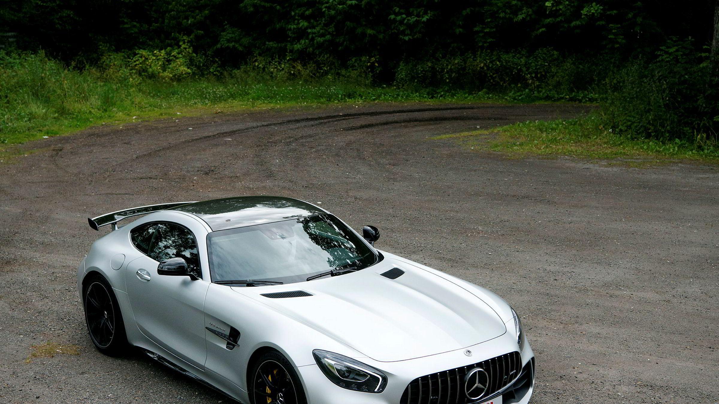 Mercedes AMG GT R er laget for å konkurrere med de mest potente modellene fra Porsche.
