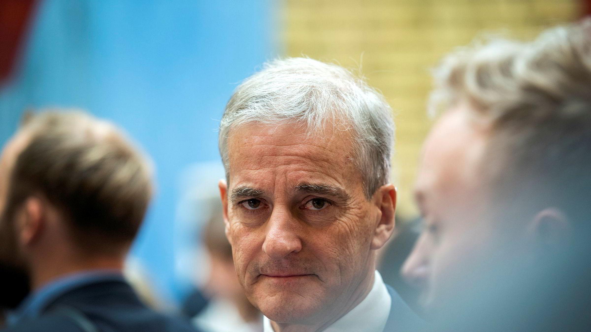 Jonas Gahr Støre lanserer en ullen tillitsreform i offentlig sektor.