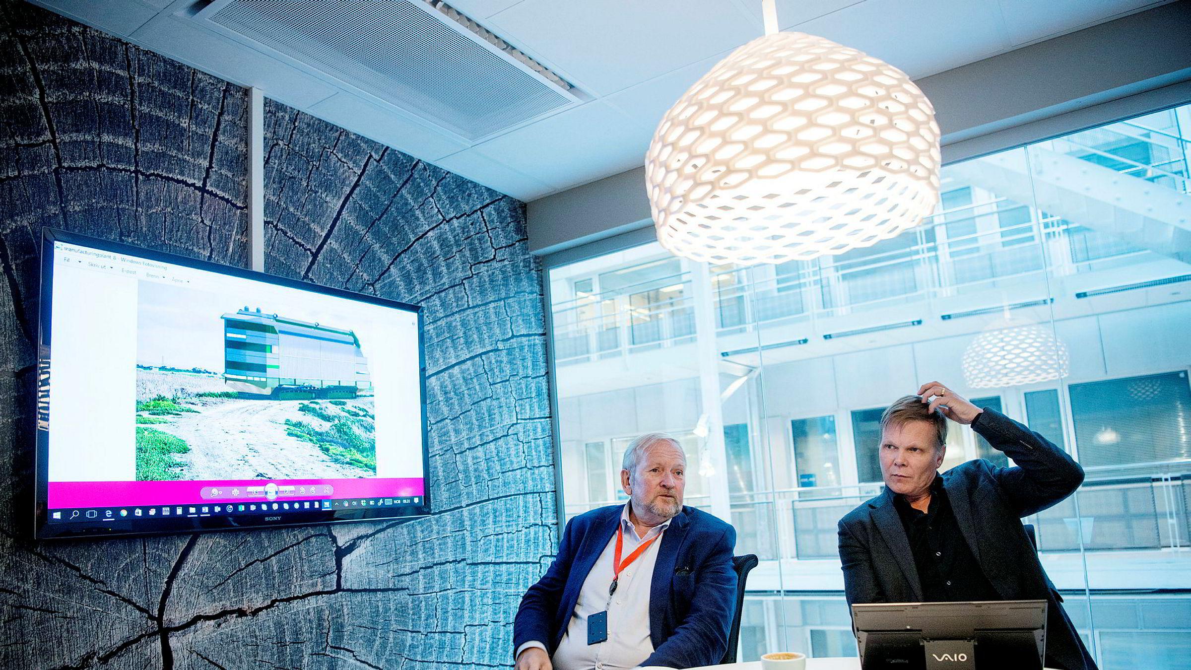 – Vann er mangelvare, sier styreleder Olav Ljøsne til venstre i Purapipe Norway. Til høyre gründer Arvid Ophaug i selskapet.