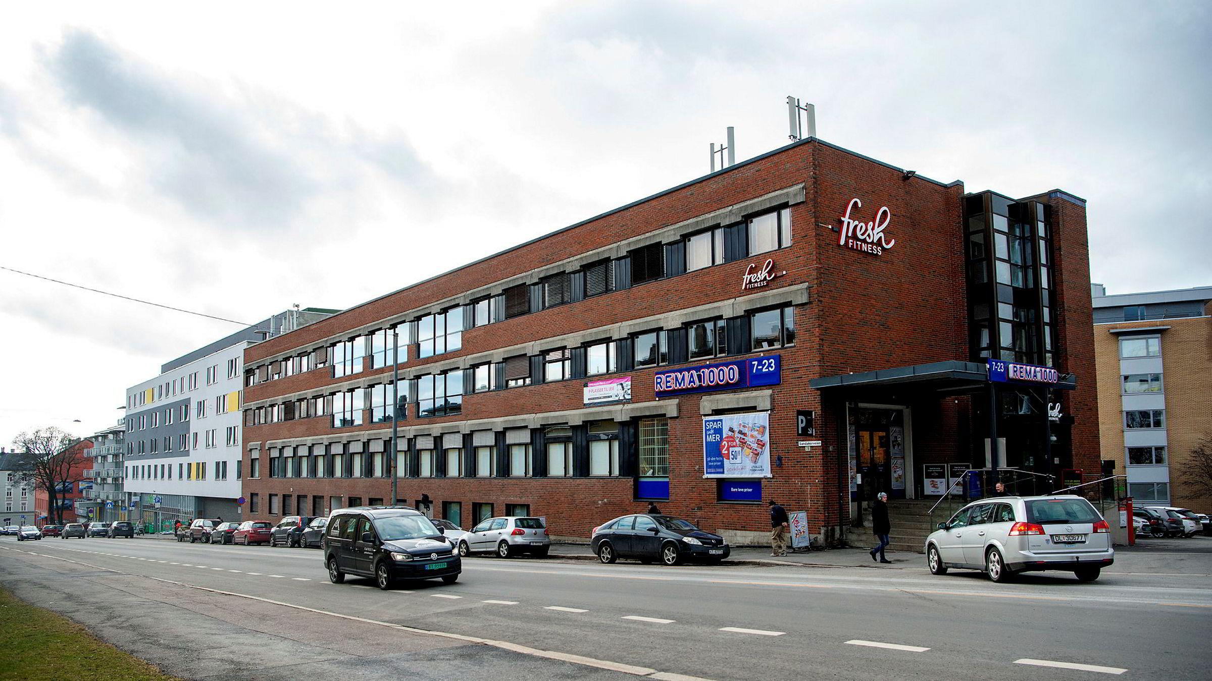 Denne Rema-butikken i Oslo har de siste par årene fått konkurranse fra to nye dagligvarebutikker. Kiwi ligger i bygget vegg i vegg.