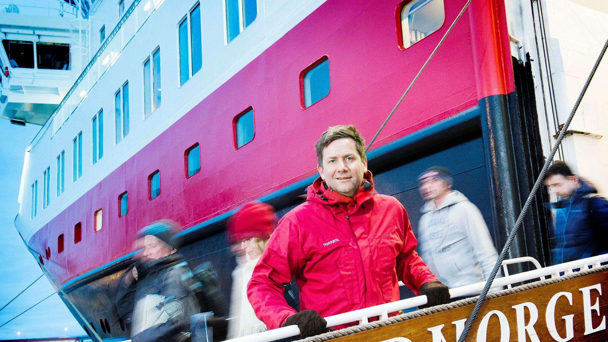Konsernsjef Daniel Skjeldam sier at Hurtigruten vil by på den nye statsavtalen for drift av kystrute langs norskekysten. Her på MS Nord-Norge ved kai i Tromsø.