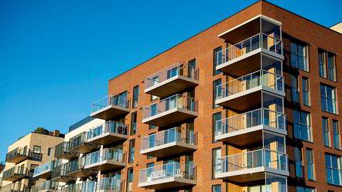 Oslo er blant regionene som i år opplevde den sterkeste juniprisveksten noensinne. Foto av boliger på Frysja i Oslo.