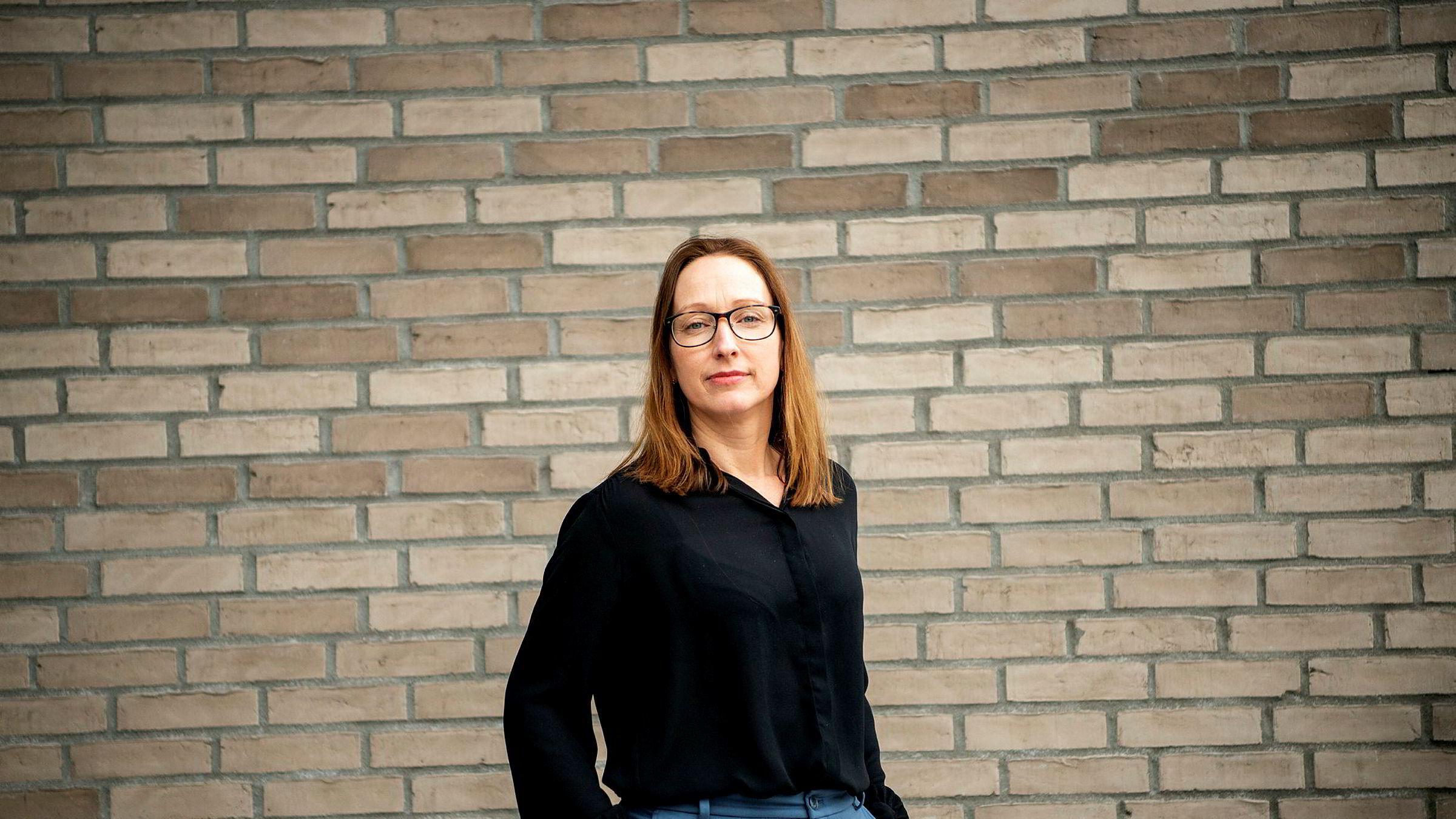 Sjeføkonom Kjersti Haugland i DNB Markets kommer med nye boligprognoser snart, men er usikker på koronaviruseffekten.